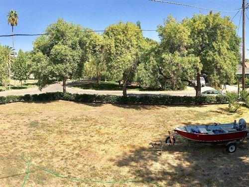 Vacant Lot in Esparto, Yolo County : Esparto : Yolo County : California