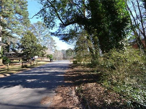 Located Off Hwy 92 Woodlands : Acworth : Cherokee County : Georgia