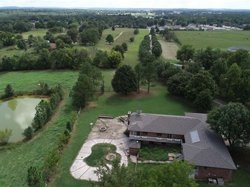 5 Bed 4.5 Bath Home On 17 Acres M/L : Tahlequah : Cherokee County : Oklahoma