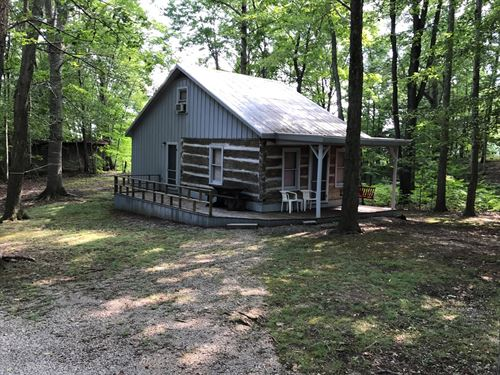 Perfectly Secluded Country Log Home : Albany : Clinton County : Kentucky