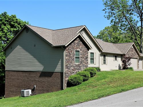 Lake Front Home Lake Cumberland : Bronston : Pulaski County : Kentucky