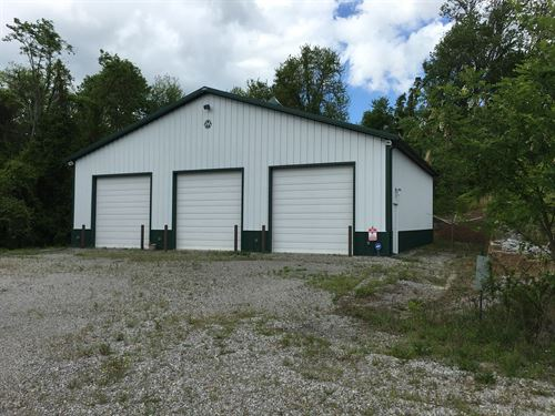 3-Bay Out-Building 6 Acres : Burkesville : Cumberland County : Kentucky