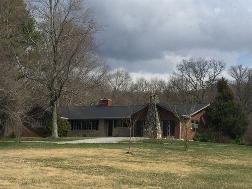 Brick & Stone Home Ground Pool : Liberty : Casey County : Kentucky