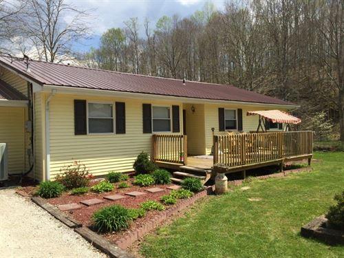 Home 7 Acres Creek Barn Central : Liberty : Casey County : Kentucky
