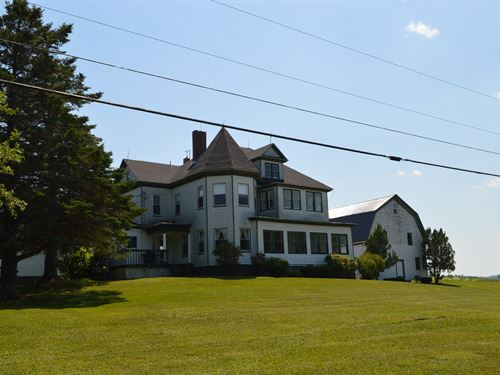 Maine Country Home For Sale in Lee : Lee : Penobscot County : Maine