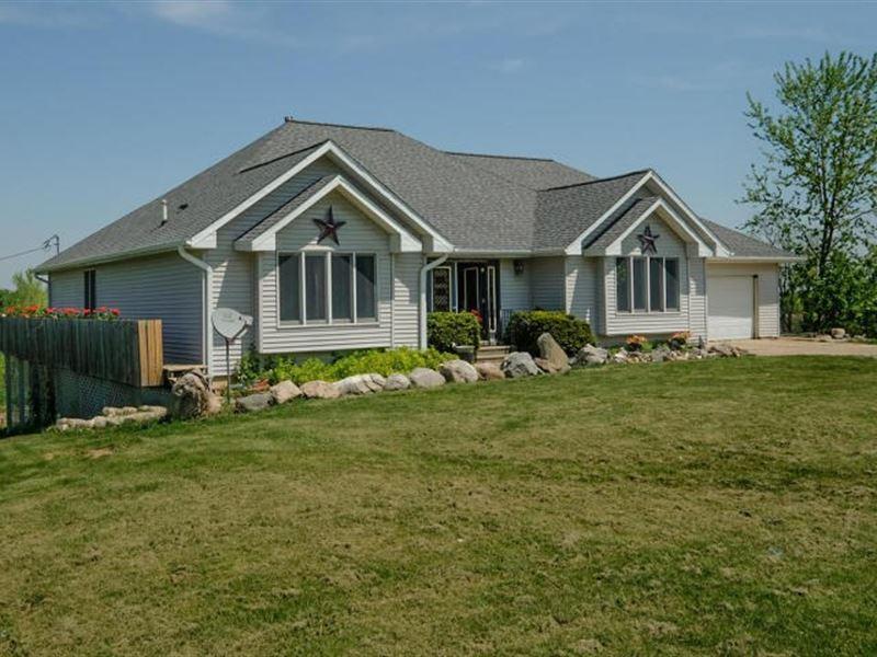 10 Acre Michigan Country Home, Lots : Charlotte : Eaton County : Michigan