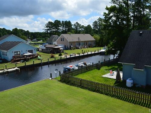 Waterfront 3Bdrm,1&2 Hlf Bth : Moyock : Currituck County : North Carolina