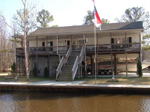 Riverfront Home Canal Chowan River : Winton : Hertford County : North Carolina