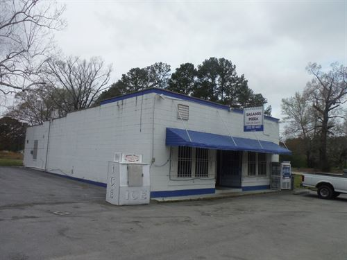 Operating Pizzeria Woodland, North : Woodland : Northampton County : North Carolina