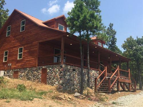 Log Cabin Oklahoma, W/Mountain Lake : Tuskahoma : Latimer County : Oklahoma