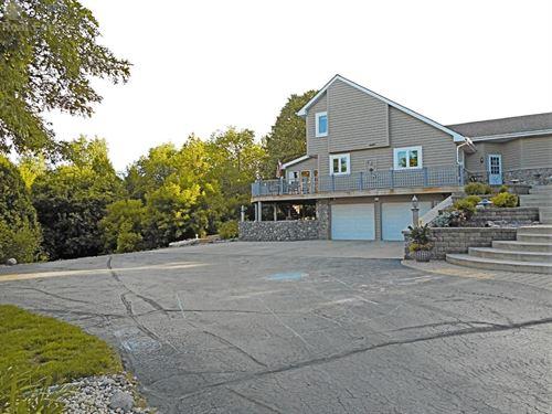 Private Estate 4 Acres Ozaukee : Grafton : Ozaukee County : Wisconsin