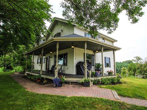 Country Farm House Acerage Waupaca : Waupaca : Wisconsin