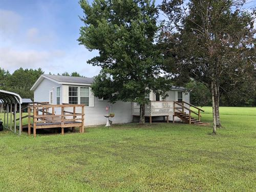 Clean 3/2 Dwmh On 4+Acres 776431 : Chiefland : Levy County : Florida