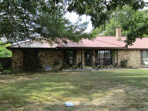 Home With 5 Acres And A Pond : Reno : Lamar County : Texas