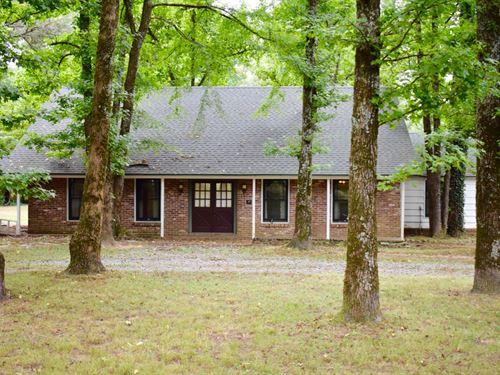 Beautiful Home With Acreage : Cabot : Pulaski County : Arkansas