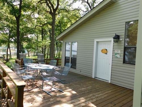 Great Waterfront On Lake Palestine : Frankston : Henderson County : Texas