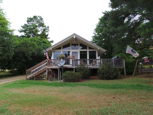 Home Tucked Lakeside Community : Clarksville : Mecklenburg County : Virginia
