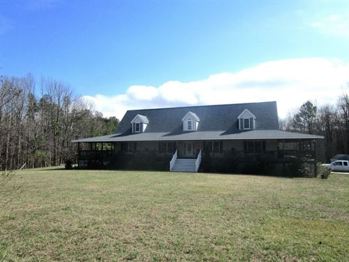 Ivy Hill Country Home : Victoria : Lunenburg County : Virginia