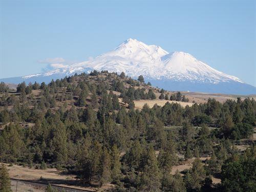 Land California Oregon Border Krce : Hornbrook : Siskiyou County : California