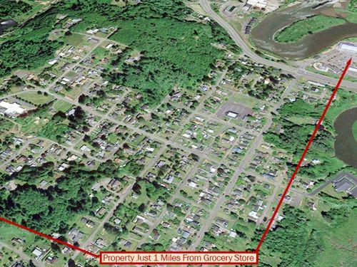 Beautiful Corner Half-Acre Lot : Raymond : Pacific County : Washington
