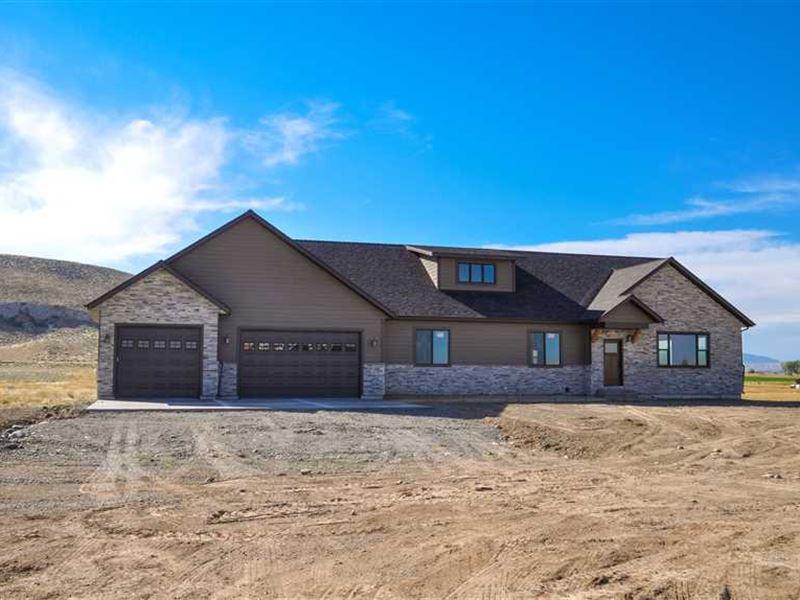 Three Bedroom, Three Bath Home on : Cody : Park County : Wyoming