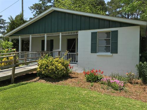 Waterfront Cottage in Belhaven, NC : Belhaven : Beaufort County : North Carolina