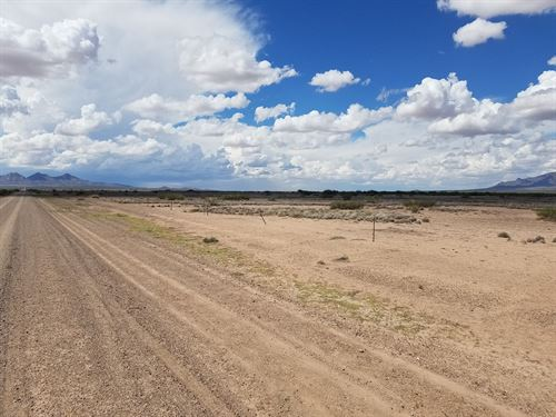 Land For Sale in Deming : Deming : Luna County : New Mexico