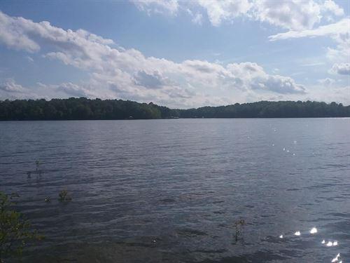 Acreage On Buggs Island Lake, VA : Clarksville : Mecklenburg County : Virginia
