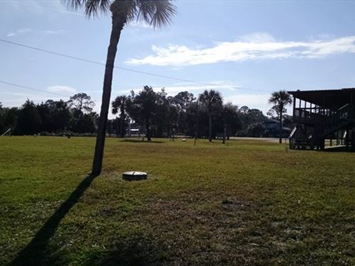 City Lot In Suwannee,Florida : Suwannee : Dixie County : Florida