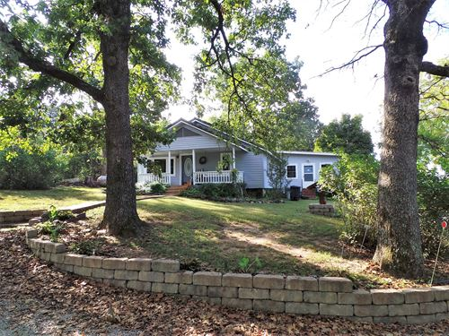 Home In The Ozark Mountains : Yellville : Marion County : Arkansas