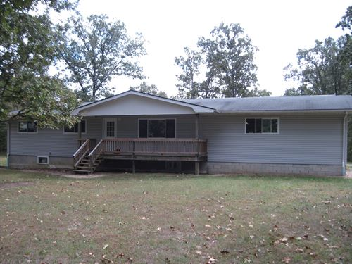 Large Family Home 9 Acres Green : Salem : Dent County : Missouri