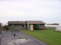 Country Living On This Farmette : Cambria : Columbia County : Wisconsin