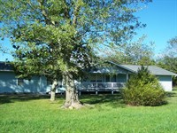 Spacious Country Home Near Leslie : Leslie : Searcy County : Arkansas
