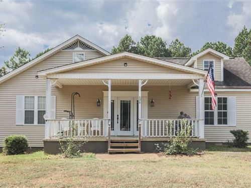 Nice Home in a Country Setting in : Michie : McNairy County : Tennessee