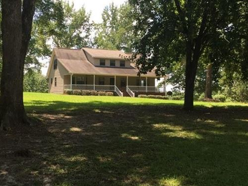 Beautiful Country Home With Pond : Clanton : Chilton County : Alabama