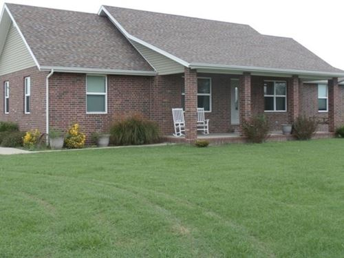 Custom Built Home on Over 3 Acres : Aurora : Lawrence County : Missouri