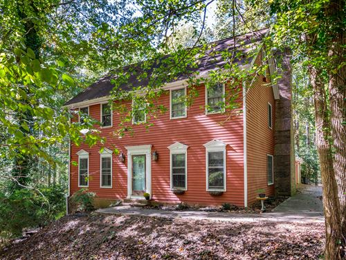 Custom Home On 12 Acres With Creek : Monroe : Walton County : Georgia