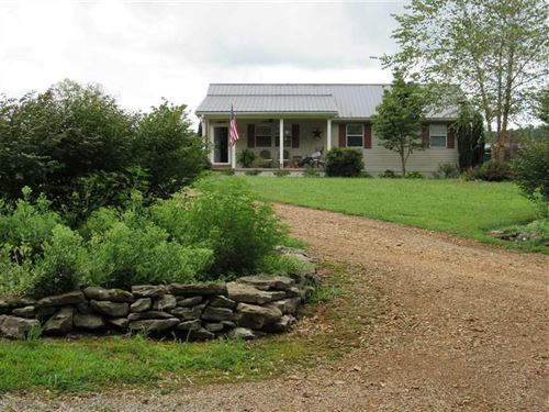 Duck River Frontage With House And : Centerville : Hickman County : Tennessee