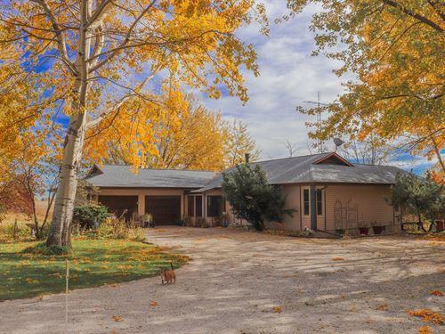 Rural Acreage Outbuilding Central : Donnellson : Lee County : Iowa