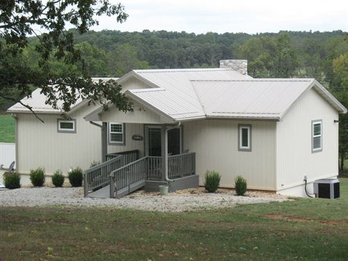 Country Home, Shop, Acreage : West Plains : Howell County : Missouri