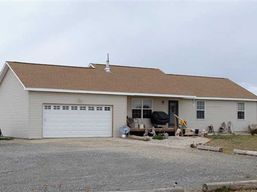 Three Bedroom Two Bath Home on 3.2 : Cody : Park County : Wyoming
