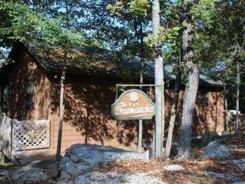 Cabin In The Ozark Mountains : Mountain View : Izard County : Arkansas