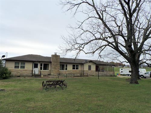 Ranch Style Home Acreage Outside : Harrison : Boone County : Arkansas