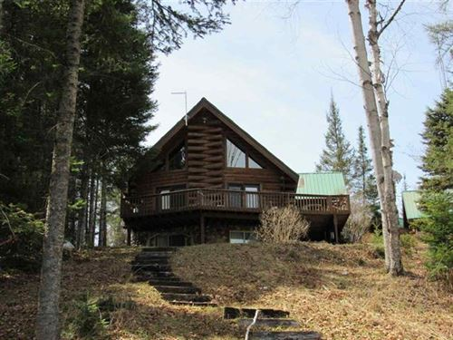 146 Lillian Dr Mls 1112094 : Crystal Falls : Iron County : Michigan