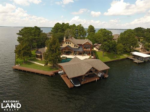 Live in a Barn, Waterfront Point : Conroe : Montgomery County : Texas