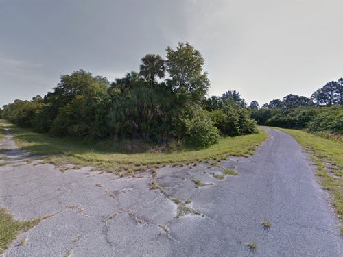 Huge Corner Lot Invest Or Build : North Port : Sarasota County : Florida