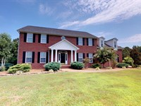 Beautiful Brick Home On 15 Acres : Clarksburg : Carroll County : Tennessee