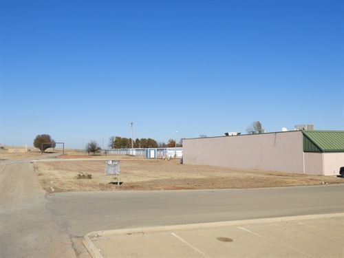 No Reserve Real Estate, Commercial : Chandler : Lincoln County : Oklahoma