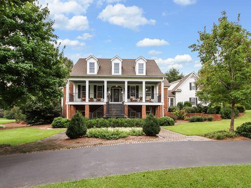 Fabulous & Spacious Home, Basement : Moreland : Coweta County : Georgia