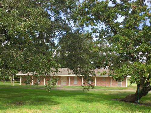 38 Fm 1696 W : Huntsville : Walker County : Texas